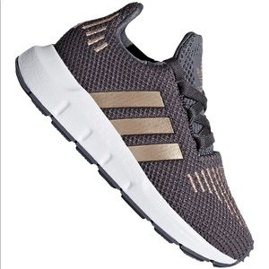 Adidas swiftrun gray bronze sneakers